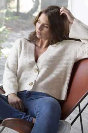Cropped Chunky Knit Cardigan - Oatmeal