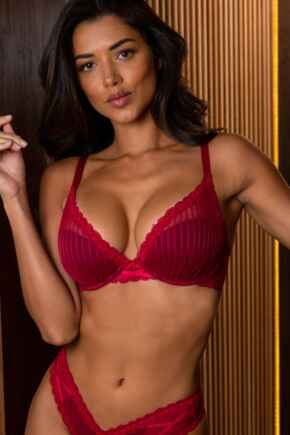 Luxe Linear Lightly Padded Bra - Red/Black