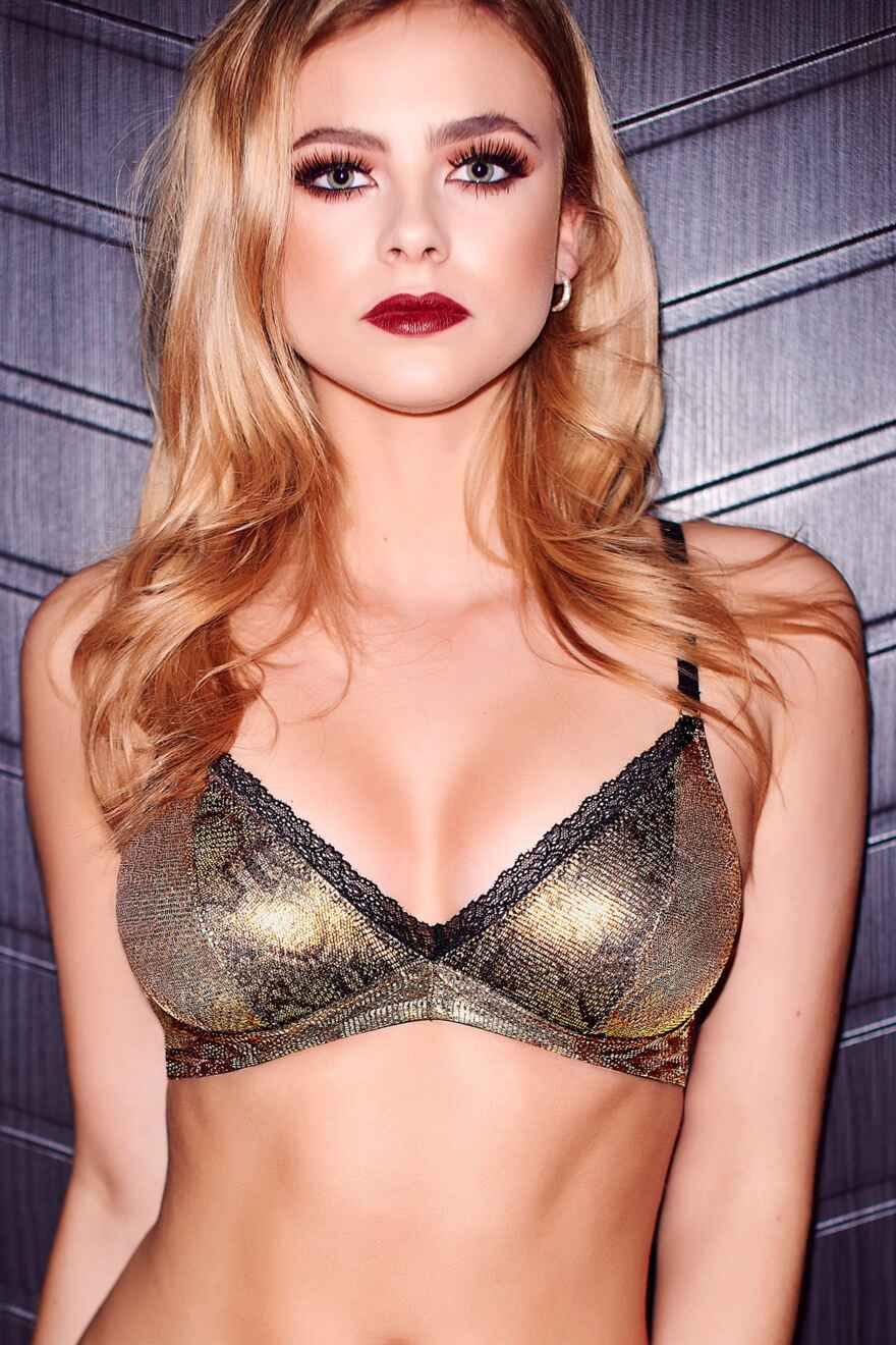 940534b6512 Buy Ultra-Sexy Contradiction Lingerie Online from Pour Moi