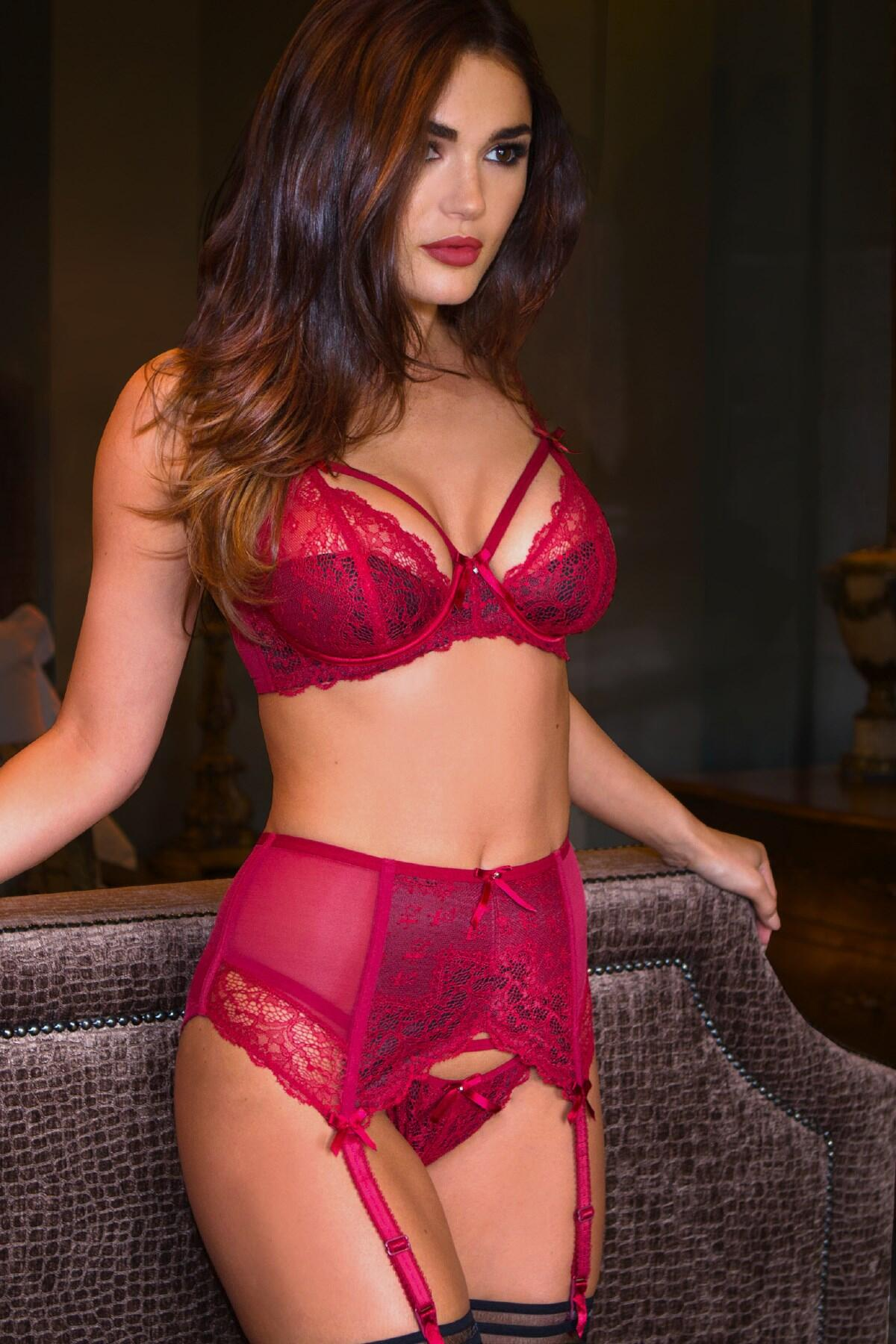 Obsession Suspender - Ruby Red