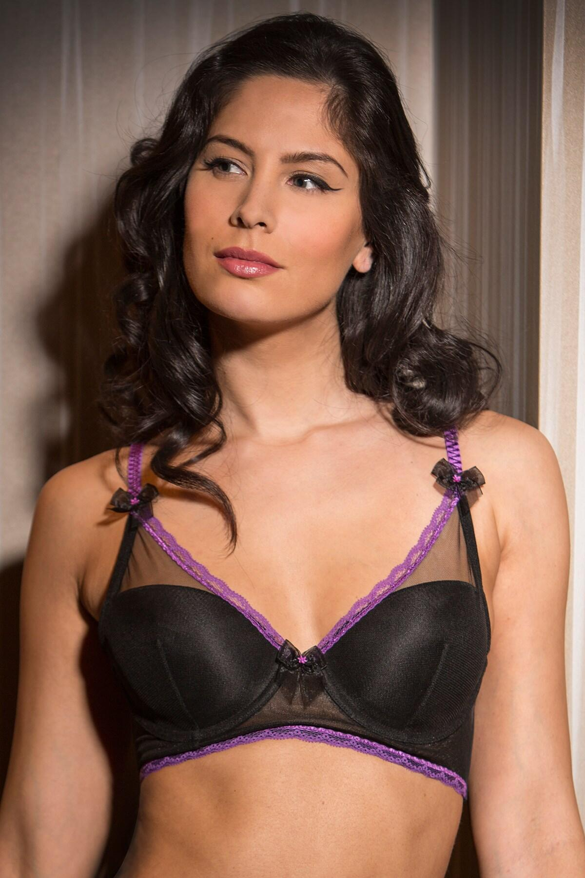 Starlet Long Line Padded Bra - Black